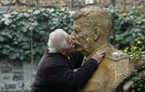 Stalin kiss 12-12